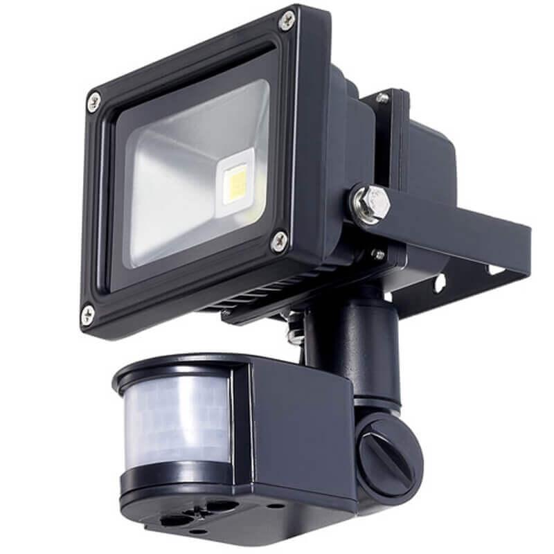 LED flood light with motion sensor