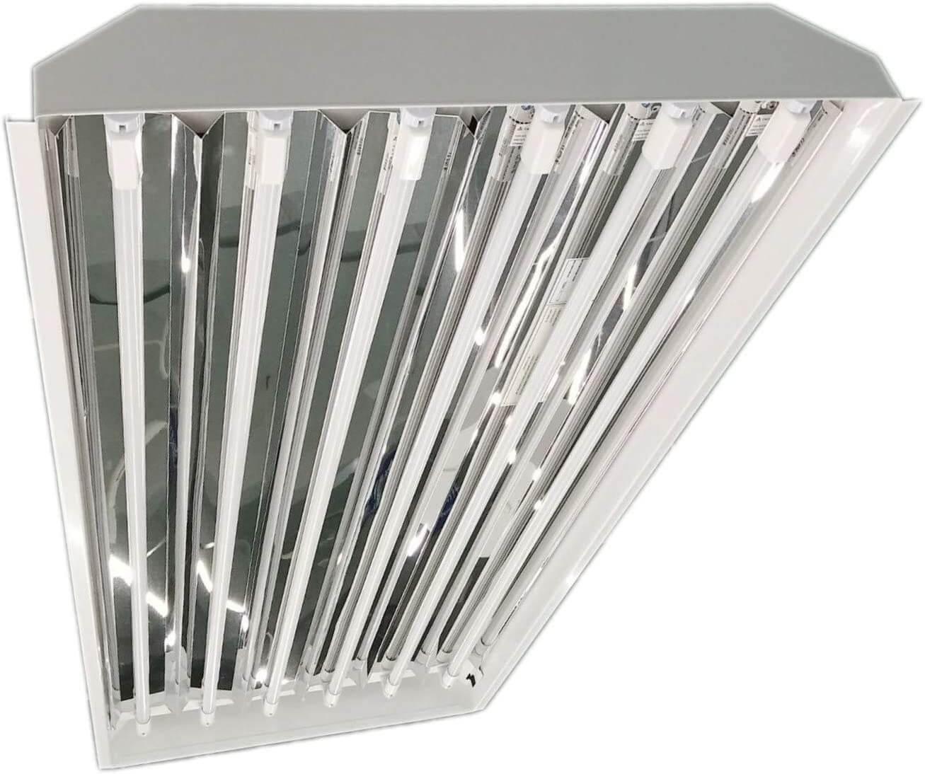 T5 LED Bulb in High Ceiling Luminaire